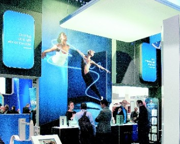 Lots of motion: Aluvision wowed stand builders and display makers. (Photo: Aluvision)