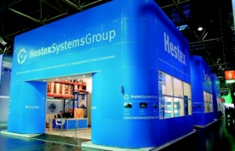 Behind its blue facade, Hestex Systems welcomed stand visitors in separate areas. (Photo: Hestex)
