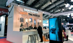 How can exhibitors stand out at trade fairs?