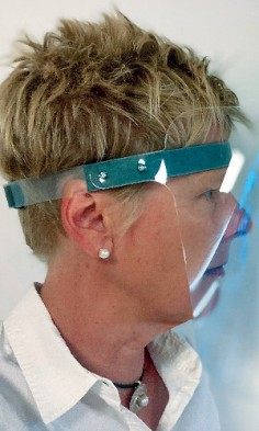 Transparent visors: high impact resistance and safe to use in the facial area. (Photo: Exolon)